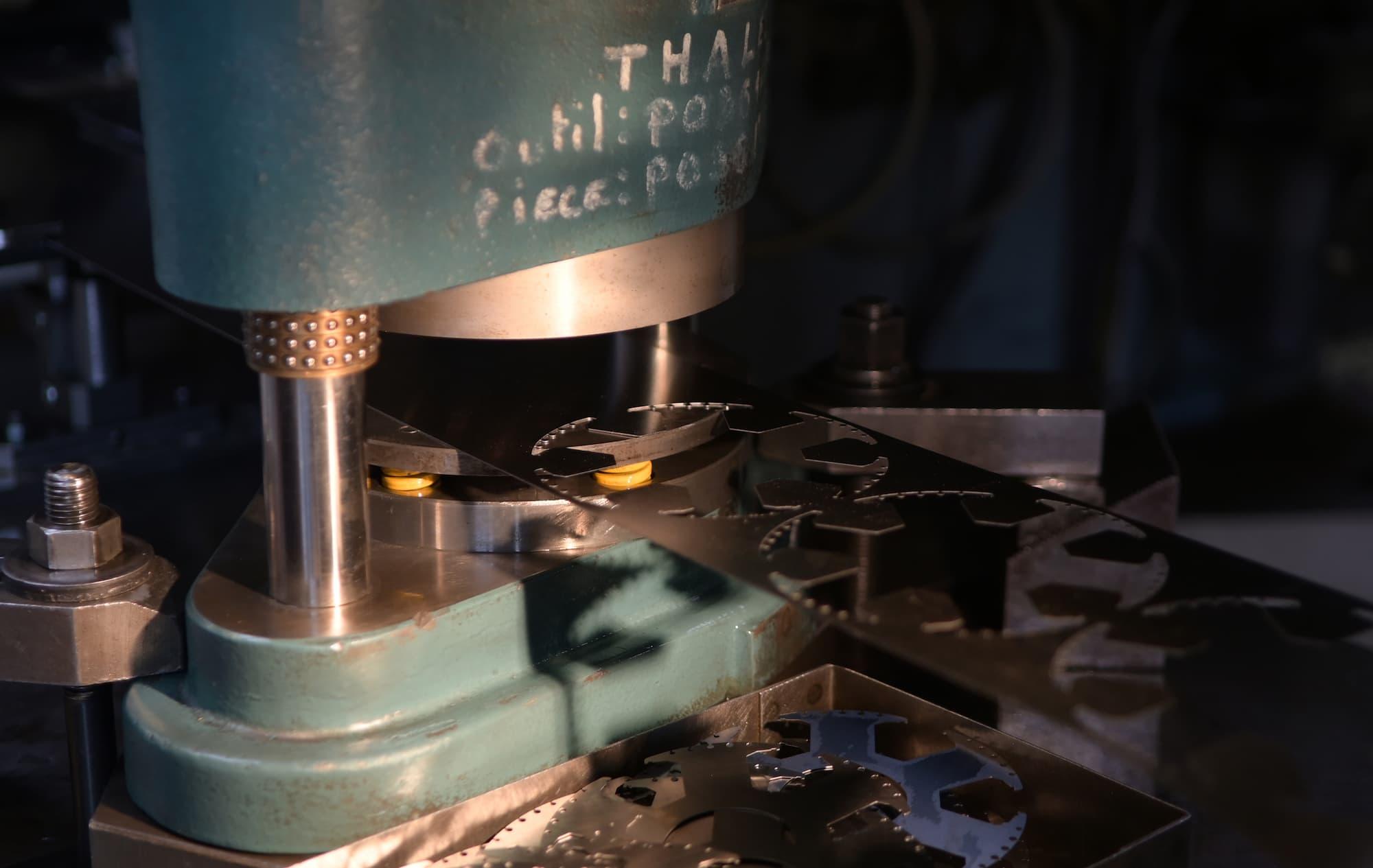 Coaéro - La maîtrise en découpe mécanique sur presse